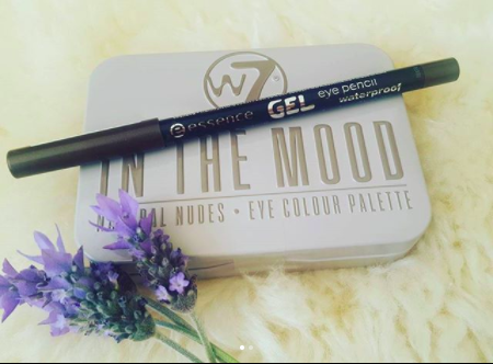 w7 eyeshadow palette and essence eyeliner